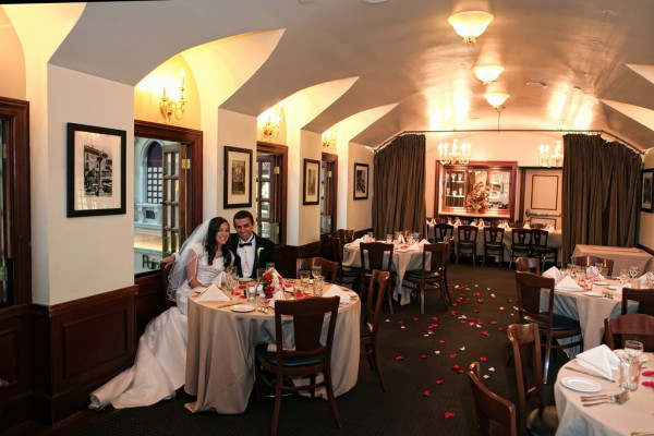 Las Vegas Wedding Receptions :: All-inclusive Wedding Packages :: Chapel of the Flowers