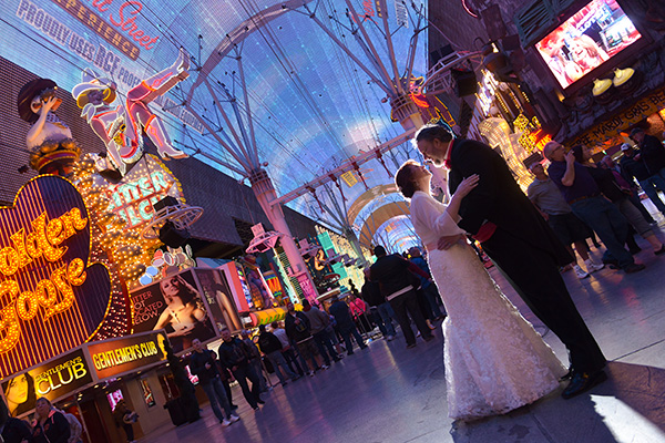 Fremont Street Wedding Photos | Las Vegas Strip Wedding Photo Ideas