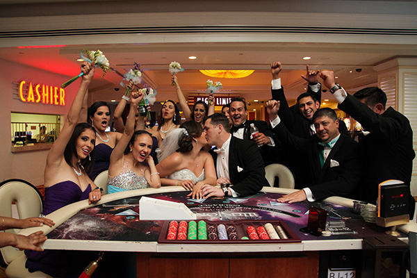 Las Vegas Hotel Wedding Photos | Group Photo Wedding Ideas