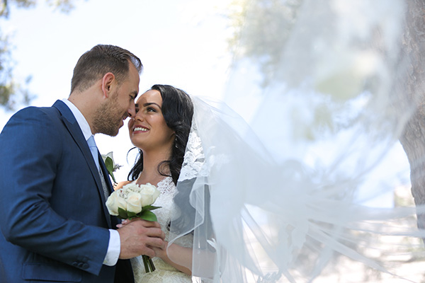 Intimate Wedding Photos | Intimate Las Vegas Wedding Photo Ideas