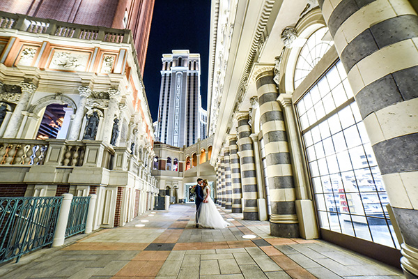 Las Vegas Strip Photo Shoot | Must Have Wedding Photos