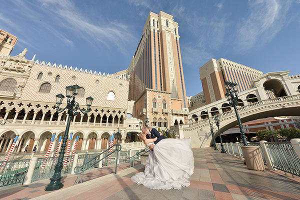 Modern Wedding Photos | Las Vegas Strip Photo Session