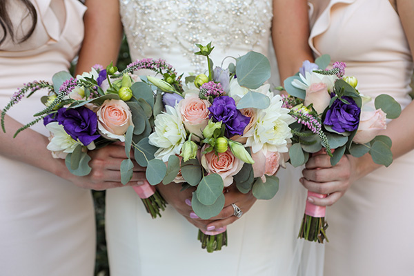 Bridal Party | Romantic Wedding Flowers | Rustic Bridal Bouquet