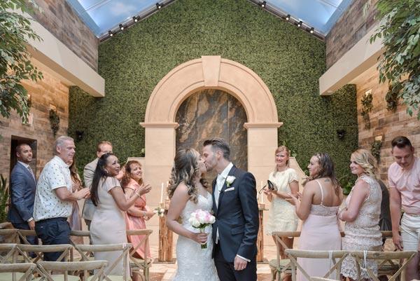 Las Vegas Wedding Venues | Rustic Gardens in Las Vegas | Las Vegas Wedding Specials, Promos, and Deals