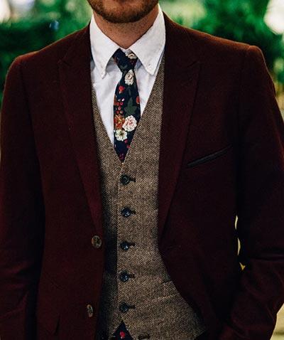 Burgundy Suits | Floral Tie | Groom's Fall Wedding Attire | Fall Wedding Ideas