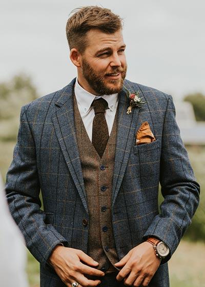 Plaid Suit | Fall Wedding Suits | Fall Wedding Ideas