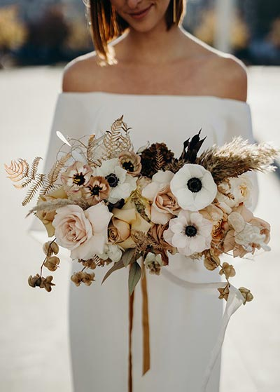 Anemone Bouquet | Gold Wedding Flowers | Bridal Bouquet | Fall Wedding Flowers | Fall Wedding Ideas