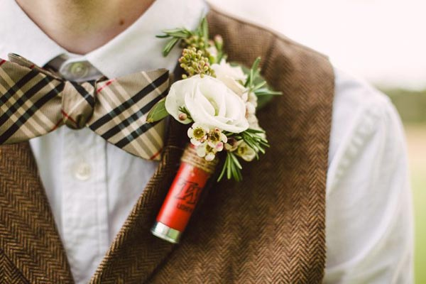 Simple Boutonniere | Boutonniere Ideas | Fall Wedding Flowers | Fall Wedding Ideas