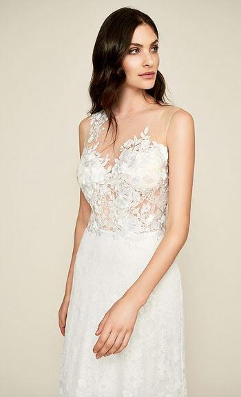 Lace Wedding Dress | Tadashi Shoji | Fall Wedding Gowns | Fall Wedding Ideas