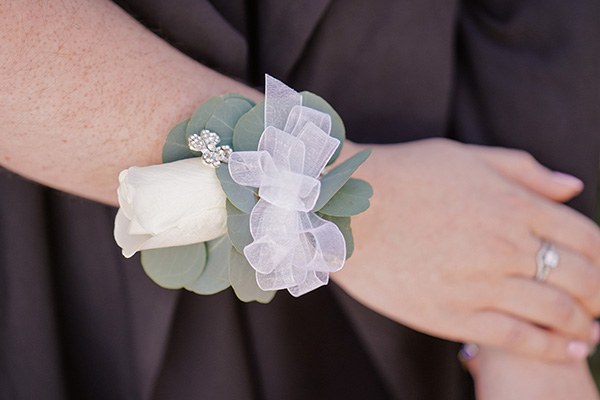 Corsage | Ideas for Mother of the Bride | Gatsby Weddings