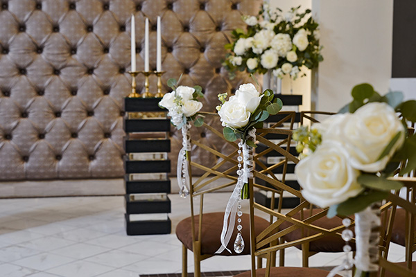 Diamond Pew Marker | Chapel Decoration Ideas | Gatsby Weddings