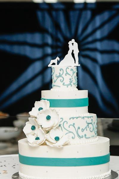 Dog Wedding Cake Topper | Dog Wedding Ideas